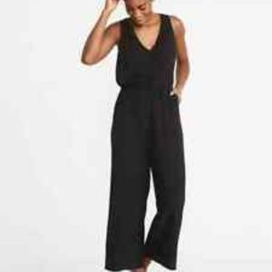 NWT Old Navy Black Wide Leg Jumpsuit S Tall